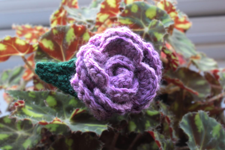 Beautiful No-Fuss Crochet Rose Brooch