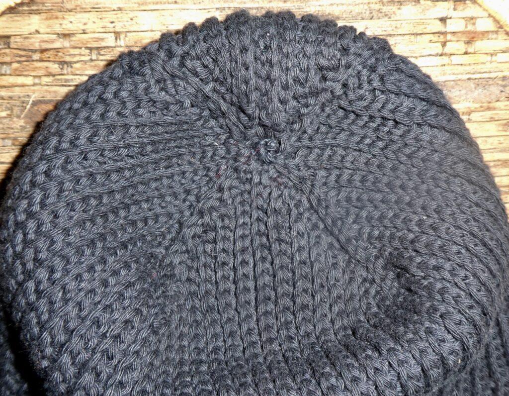 Sistertwist-knitlike-slouchy-crochet-hat-closeup