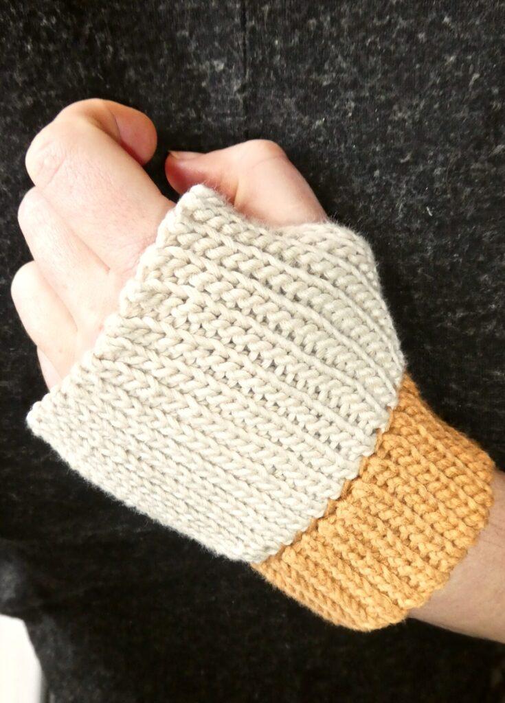 Sistertwist-Crochet-Short-Wrist-Warmers-Front