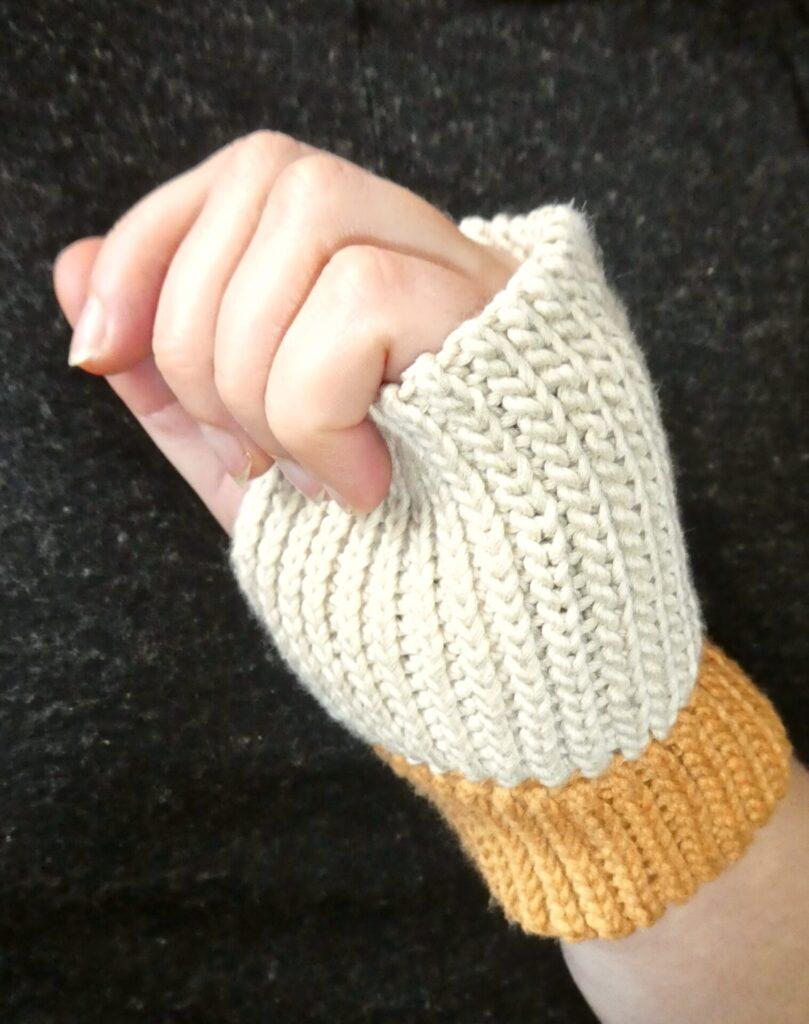 Sistertwist-Crochet-Short-Wrist-Warmers-Side